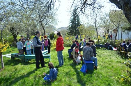 Ateliere de creaţie pentru copii în poieniţa lui Arghezi